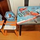 値下げ!プレーンズのテーブルと椅子のセット子供用