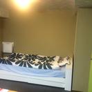 IKEAのシングルベッド(マット付き)