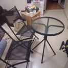 ベランダテーブルとチェア