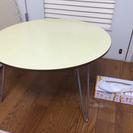 丸テーブル ちゃぶ台 傷汚れひどいです。クロス貼りやリメイクして使...