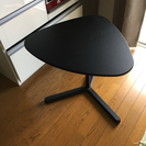 IKEAのサイドテーブル SVARTÅSEN