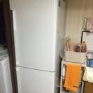 10000円!三菱冷蔵庫。250リットルです。
