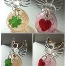 ガラスでできた天使の置物、和紙の雛人形&兜飾りセットで