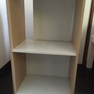 カラーボックス    (ケース2個・ニトリ飾り棚付き)