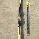 スキー板とストックセットです。