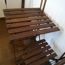 【無料】折りたたみ式テーブルと椅子2脚