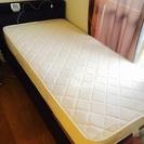 シングルベッド コンセント付き 台付き