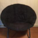 折りたためる丸い椅子
