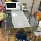 グラス テーブル