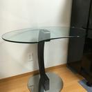 ガラステーブル  カッテランイタリア社
