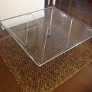 Francfrancのローテーブルで、ガラステーブルです。