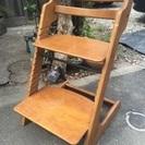 ◎木製   ステップにもなる椅子 高さ調節可