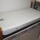 シングルベッド:フレーム、マットレス