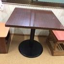 丈夫なテーブルです。