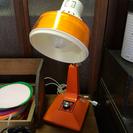 SOLD OUTレトロポップなオレンジの電気スタンド