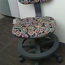 無料!! 学習机の椅子
