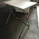 折りたたみテーブル  無料