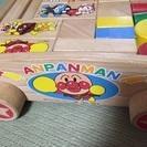 アンパンマン木製積み木台車付き