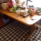 カリモクのダイニングテーブルと椅子のセット