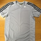 アディダス Tシャツ size S 美品