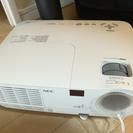 NEC製プロジェクター+簡易スクリーンセット
