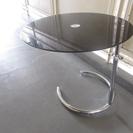 ソファの横に置く丸い サイドテーブル