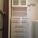 白い洗面所収納棚