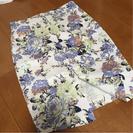 ディーホリックの花柄タイトスカート