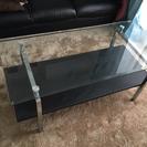 ガラストップテーブル