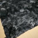 毛足の長目のラグ…グレーの濃淡色