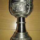 銀杯 2つで  補記、杯の下部にある文字を拡大して3枚目画像に