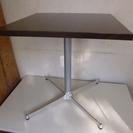 バーで使用していた ダイニングテーブル・カフェテーブルです。