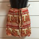 夏物ペイズリーっぽい柄赤い巻きスカート-進行中