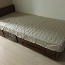 マットレス込みのシングルベッド   応交渉