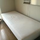 無印の脚付きベッド
