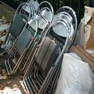 残り:会議テーブル10 パイプ椅子14