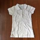 白いポロシャツ 140 ボタン糸がグリーン
