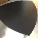 三角形のお洒落なテーブル