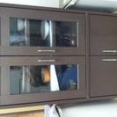 木の食器棚
