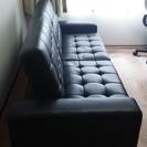 黒の合皮ソファーベッド