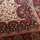 絨毯(ペルシャ絨毯のような模様です)