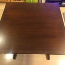 2人用木製ダイニングテーブル