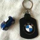 BMWのキーホルダーとミニカーセット
