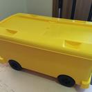 タイヤ付きおもちゃ箱