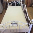 低反発ウレタンマトッレス付き シングルベッド 売ります