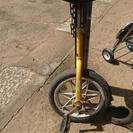 中古品の一輪車