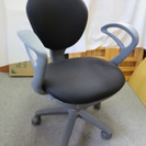 事務椅子 リクライニング可 グレー 高さ調節可 1608