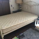 輸入ベッド