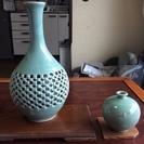 高麗青磁2点  『 海泉作   透かし二重胴花瓶』 『東谷作   ...