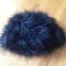 黒のファー帽子